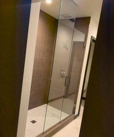 Professional shower glass door services in Pueblo